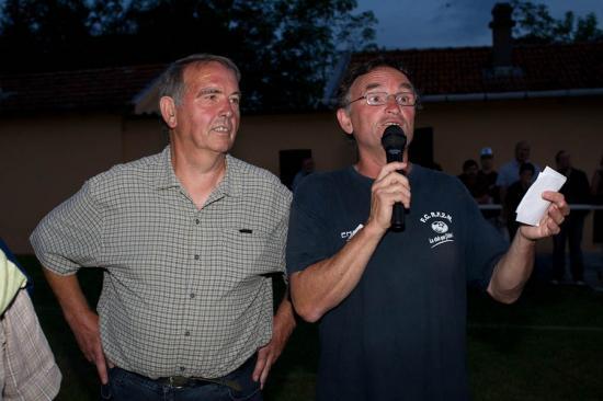 Les 2 présidents du GS Vézelise et du FCRF2M rendent un hommage à Jean Paul LECLERC